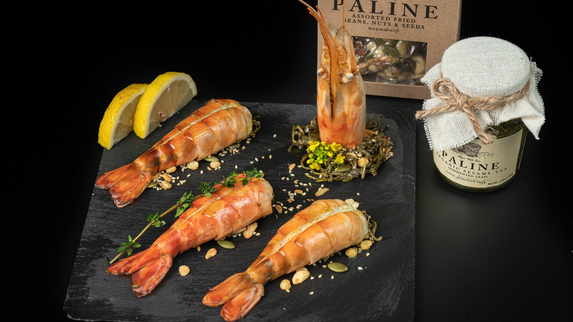 Grilled king prawns with Paline organic fermented tea leaves